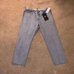 Levis lowrise straight jeans